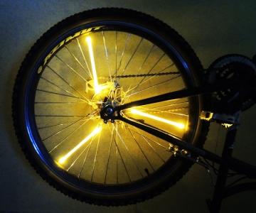 Желтая велоподсветка