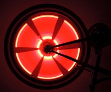 Велоподсветка красного цвета