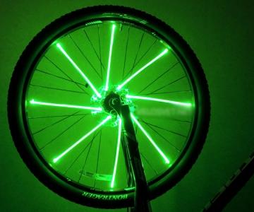 Подсветка колес велосипеда зеленого цвета