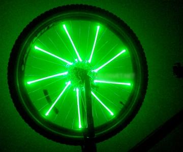 Светодиодная зеленая подсветка колес велосипеда